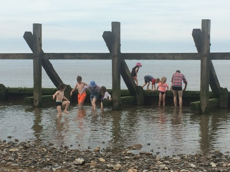 99 Happisburgh Beach kids
