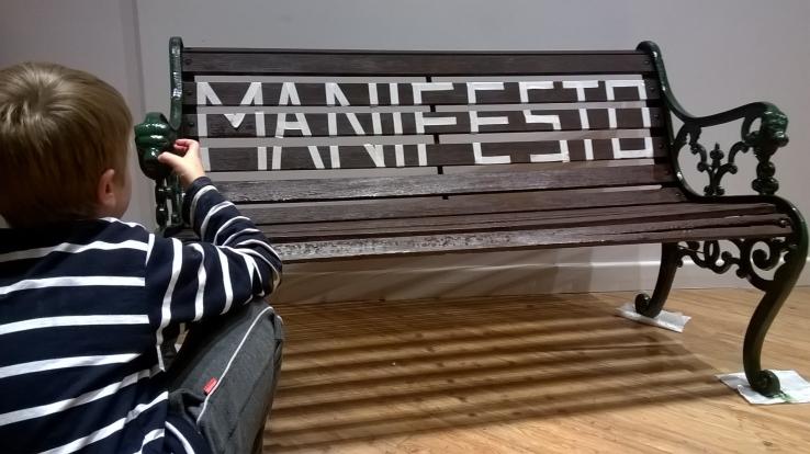 manifesto bench
